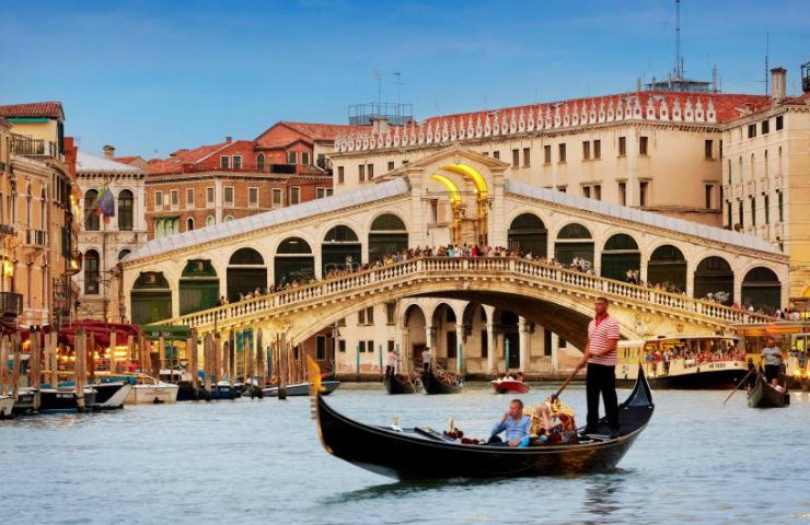 5 Inspiring and Luxury Travel Destinations For 2018 tRAVEL 740x480
