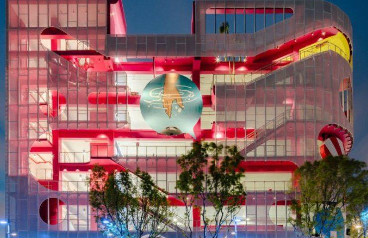 Discover the Amazing Garage Museum in Miami! garage museum Discover the Amazing Garage Museum in Miami! Miami Design District Surrealist Miami Museum Garage 15 740x480
