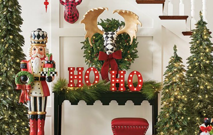 christmas decorations Get Inspired by this Amazing Christmas Decorations For Your home S4 big Christmas indoor 0830 740x470