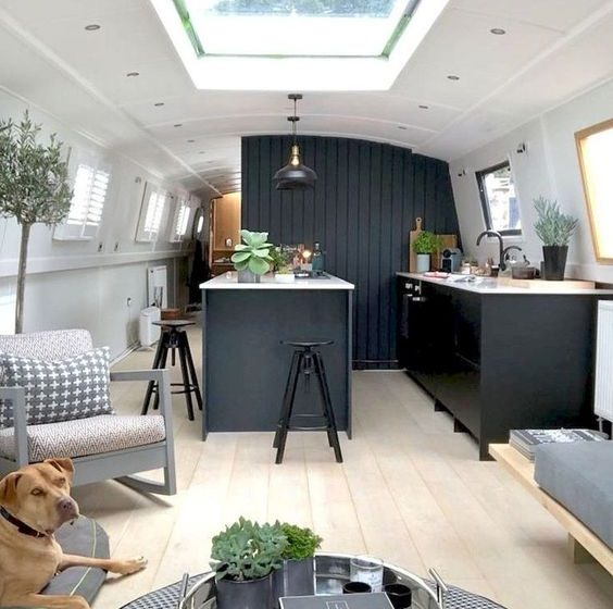 Travel in Style With These Amazing Campervan Interiors campervan interiors Travel in Style With These Amazing Campervan Interiors 7c9bd1acb5a973dc3c19f6d267d598a8 564x560  Front Page 7c9bd1acb5a973dc3c19f6d267d598a8 564x560