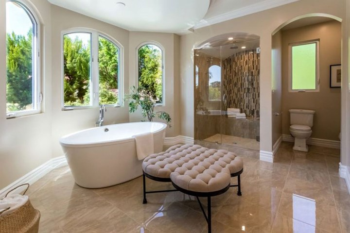 Stunning Bathroom Design Projects To Get Inspired From bathroom design projects Stunning Bathroom Design Projects To Get Inspired From resized zendaya house 2