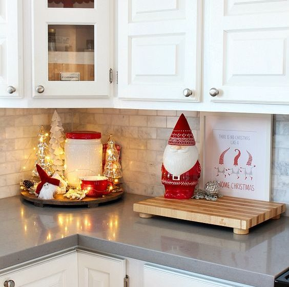 Christmas Kitchen Decor Ideas You'll Love christmas kitchen decor ideas Christmas Kitchen Decor Ideas You'll Love f267bb340cec6de61c07501172ce756d 564x560  Front Page f267bb340cec6de61c07501172ce756d 564x560