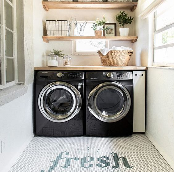 Laundry Room Designs That Don't Disappoint laundry room design Laundry Room Designs That Don't Disappoint f74c94a7caac4e1dacffbd082593cbb6 564x560