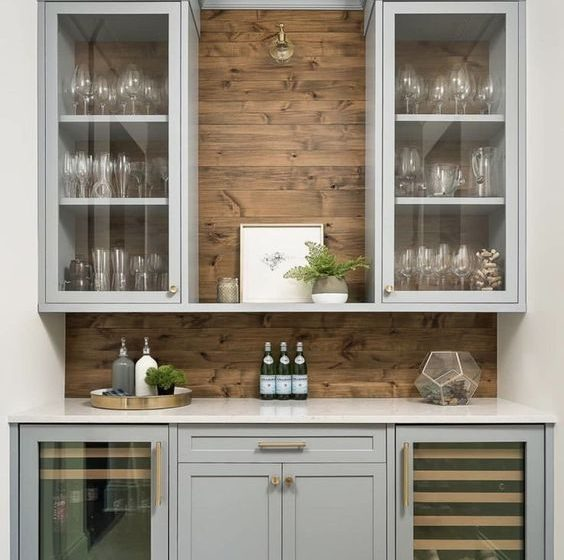 Butler's Pantry Ideas Perfect For Entertaining butler's pantry ideas Butler's Pantry Ideas Perfect For Entertaining 015ab65edf360bd34e13dd29f6ec34ad 564x560