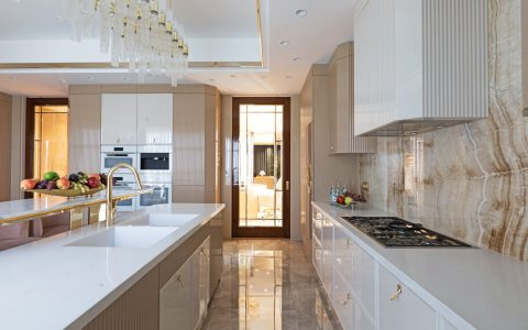 Refresh Your Home With These Neutral Kitchen Ideas neutral kitchen ideas Refresh Your Home With These Neutral Kitchen Ideas IMAGE 5 480x300