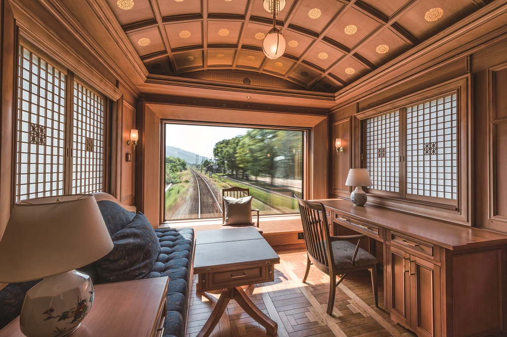 These Luxury Trains Are The Most Expensive In The World luxury trains These Luxury Trains Are The Most Expensive In The World seven stars deluxe a suite