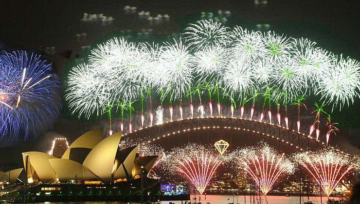 The 5 Best New Year's Eve Destinations new years eve destinations The 5 Best New Years Eve Destinations 800px OperaSydney Fuegos2006 342289398 740x421