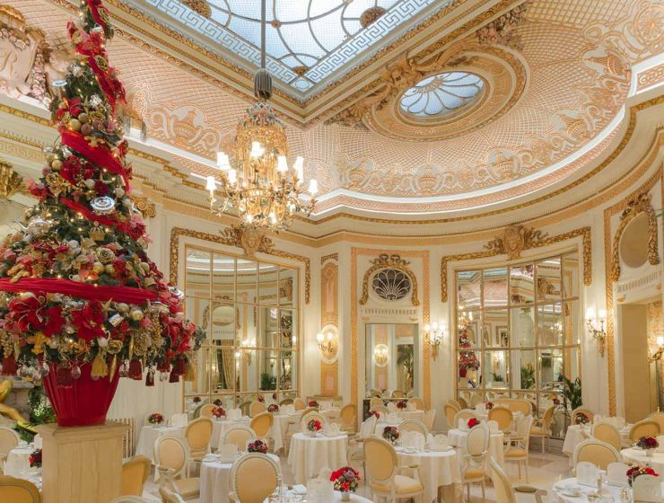 How 5 Luxury Hotels Are Celebrating The Holidays luxury hotels How 5 Luxury Hotels Are Celebrating The Holidays Christmas inside The Palm Court2 740x560  Front Page Christmas inside The Palm Court2 740x560