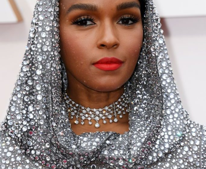 The 2020 Oscars jewelry moments the 2020 oscars The 2020 Oscars Jewelry Moments 2020 oscars best jewelry 3 683x560