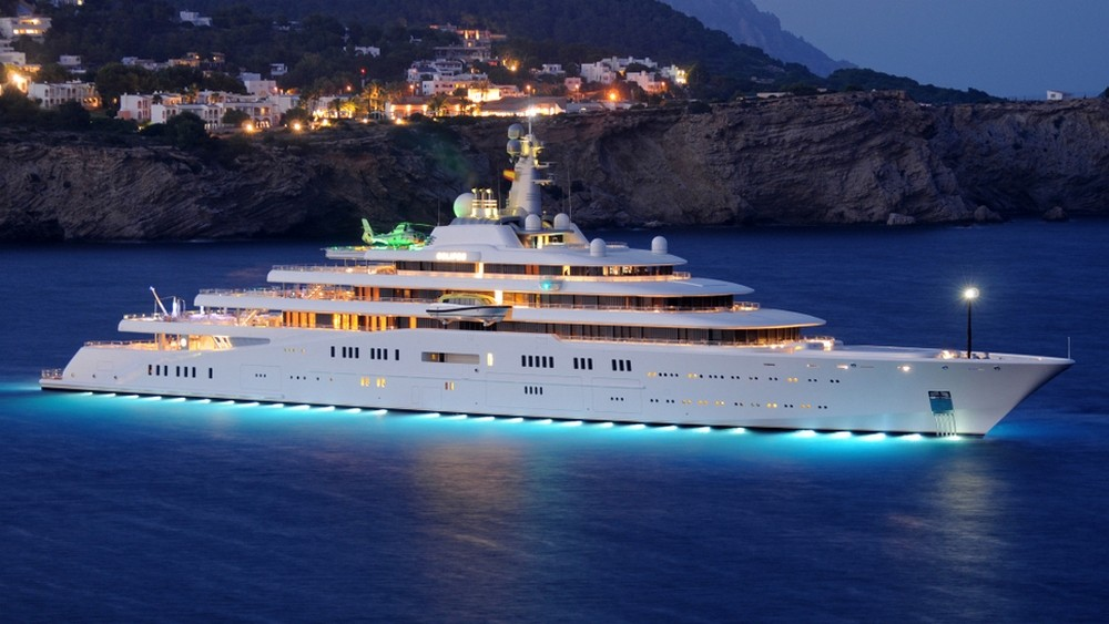 Luxury Yachts The World's Largest Vessels that Shocked the Industry 5 luxury yachts Luxury Yachts: The World's Largest Vessels that Shocked the Industry Luxury Yachts The Worlds Largest Vessels that Shocked the Industry 5