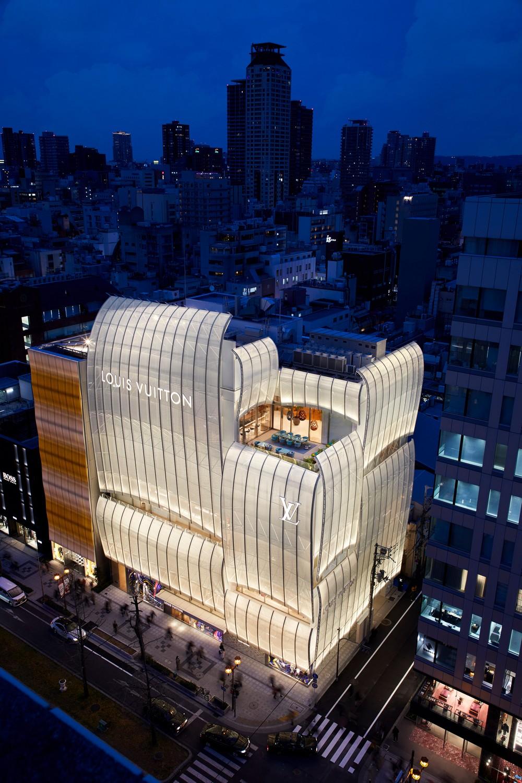Virtually Step Inside Louis Vuitton's New Osaka Midosuji Boutique 4 louis vuitton Virtually Step Inside Louis Vuitton's New Osaka Midosuji Boutique Virtually Step Inside Louis Vuittons New Osaka Midosuji Boutique 4