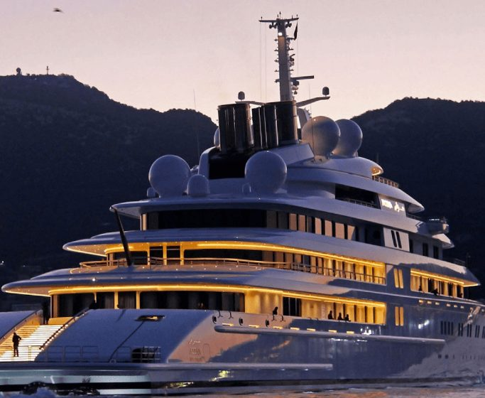 luxury yachts Luxury Yachts: The World's Largest Vessels that Shocked the Industry featured 10 683x560