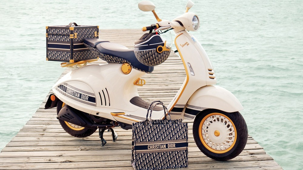 Luxury Design Dior Vespa Join Forces to Create Marvelous Motorcycle 1 luxury design Luxury Design: Dior & Vespa Join Forces to Create Marvelous Motorcycle Luxury Design Dior Vespa Join Forces to Create Marvelous Motorcycle 1