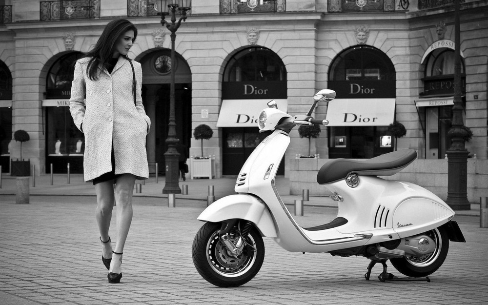 Luxury Design Dior Vespa Join Forces to Create Marvelous Motorcycle 2 luxury design Luxury Design: Dior & Vespa Join Forces to Create Marvelous Motorcycle Luxury Design Dior Vespa Join Forces to Create Marvelous Motorcycle 2