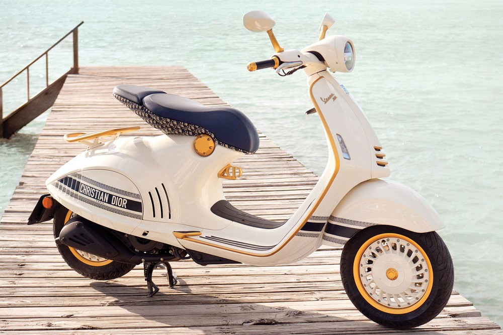 Luxury Design Dior Vespa Join Forces to Create Marvelous Motorcycle 3 luxury design Luxury Design: Dior & Vespa Join Forces to Create Marvelous Motorcycle Luxury Design Dior Vespa Join Forces to Create Marvelous Motorcycle 3