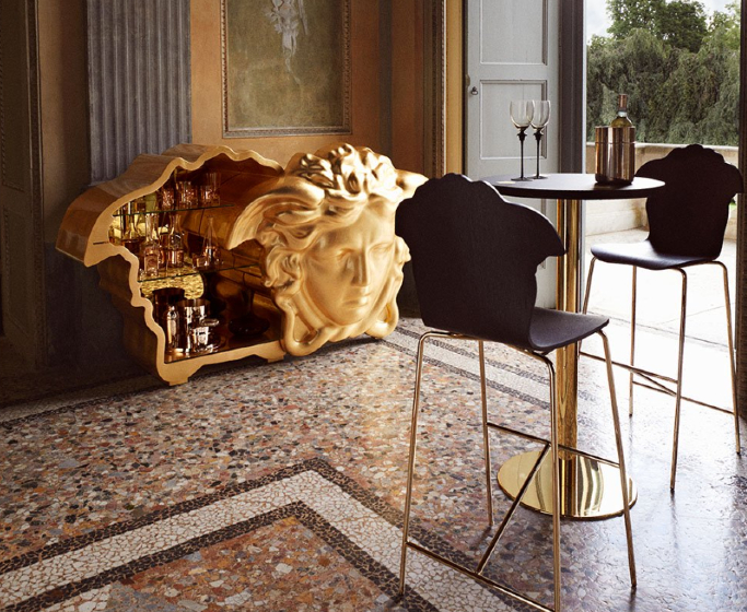 fashion brands 5 Fashion Brands that Established Their Own Interior Design Empire! featured image credit to versace home  Front Page featured image credit to versace home