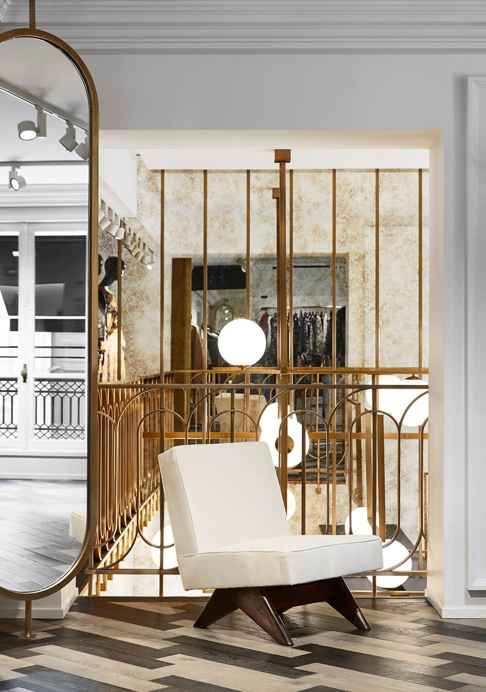 5 Boutique Interiors that Made an Enduring Impact in Defining Luxury 2 boutique interiors 5 Boutique Interiors that Made an Enduring Impact in Defining Luxury 5 Boutique Interiors that Made an Enduring Impact in Defining Luxury 2