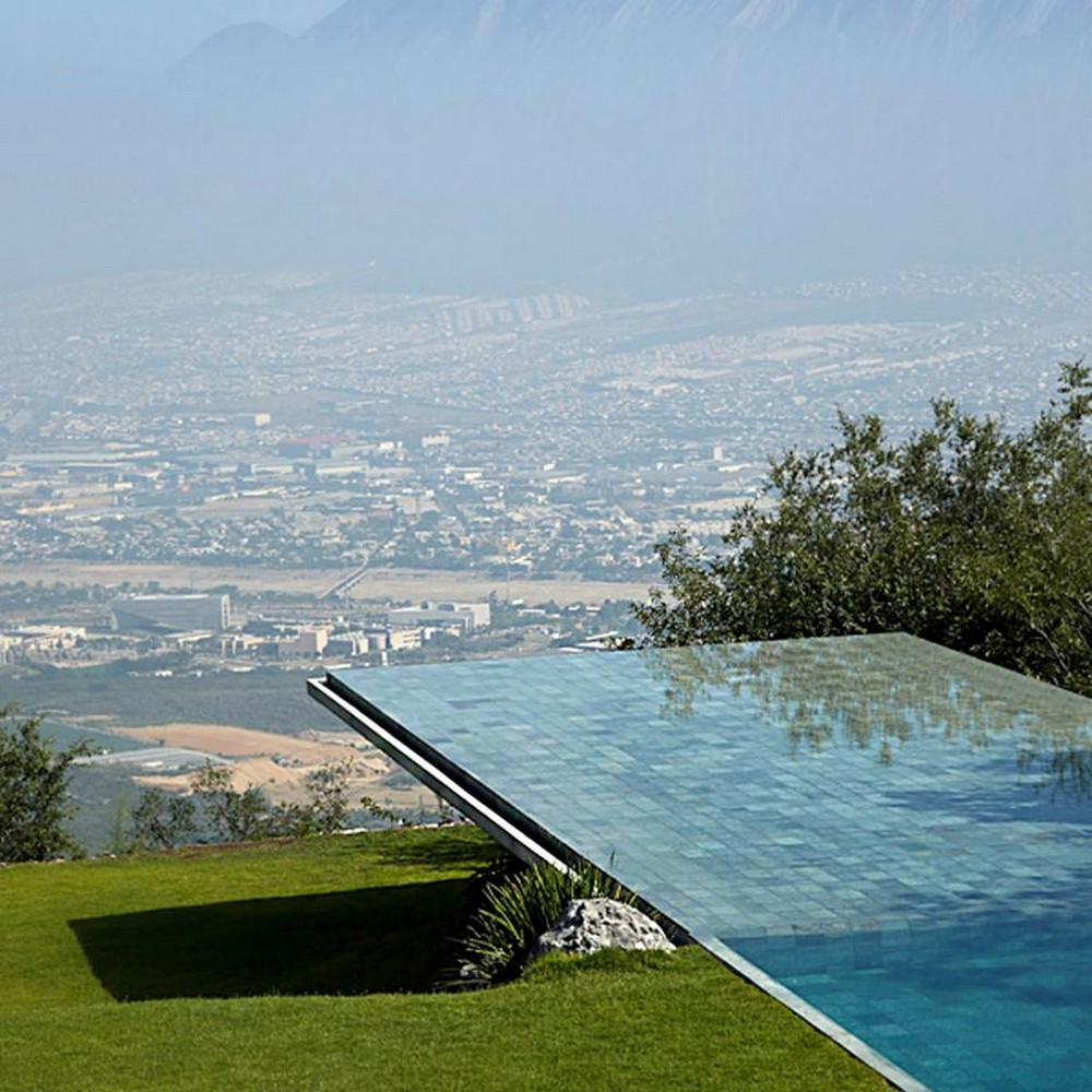 Outdoor Design Swimming Pools with Spectacular Architectural Details 1