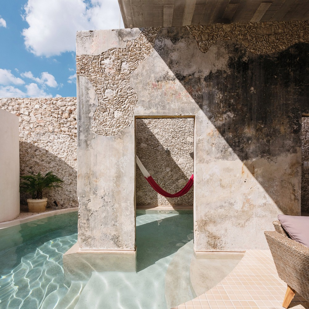 Outdoor Design Swimming Pools with Spectacular Architectural Details 2