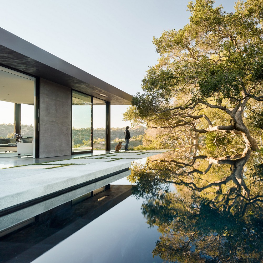 Outdoor Design Swimming Pools with Spectacular Architectural Details 4