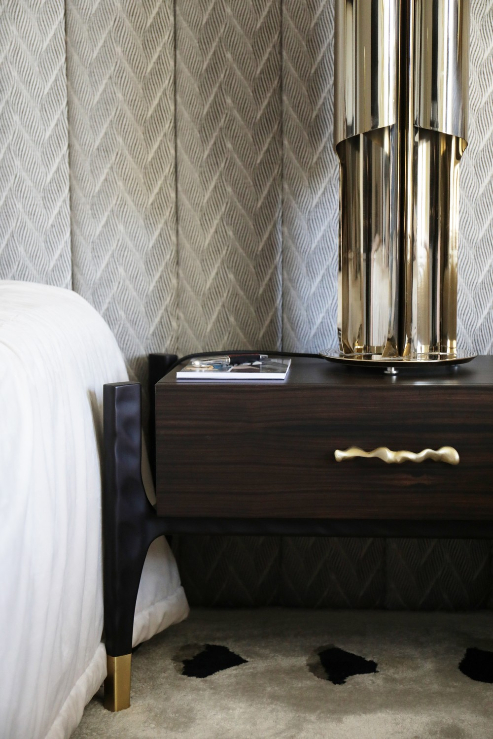 Renew Your Bedroom Furniture Designs with Decorative Hardware 4 bedroom furniture Renew Your Bedroom Furniture Designs with Decorative Hardware Renew Your Bedroom Furniture Designs with Decorative Hardware 4