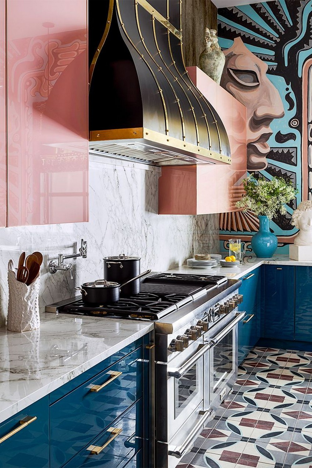 Fashion Your Luxury Kitchen with These Astounding Cabinet Paint Colors 3 luxury kitchen Fashion Your Luxury Kitchen with These Astounding Cabinet Paint Colors Fashion Your Luxury Kitchen with These Astounding Cabinet Paint Colors 3