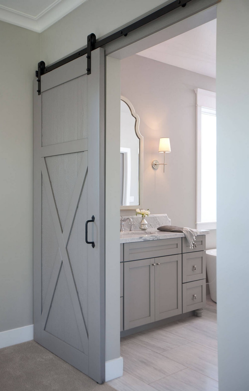 How to Make an Entrance Bathroom Ideas with Imposing Door Hardware 3 bathroom ideas How to Make an Entrance: Bathroom Ideas with Imposing Door Hardware How to Make an Entrance Bathroom Ideas with Imposing Door Hardware 3