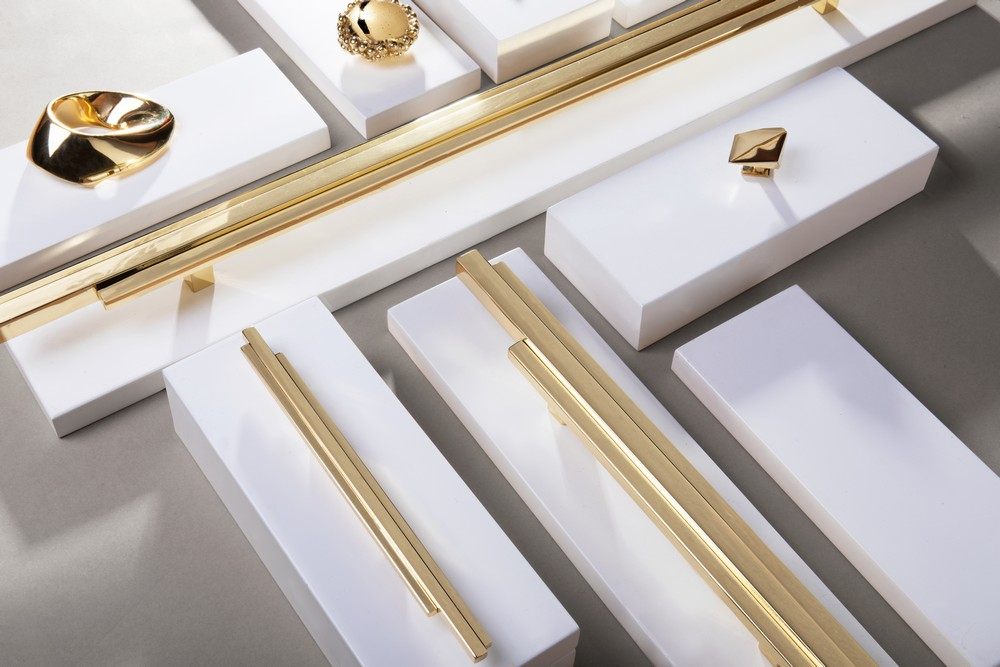 Skyline Hardware Family An Architectural Solution for Home Interiors 1 hardware family Skyline Hardware Family: An Architectural Solution for Home Interiors Skyline Hardware Family An Architectural Solution for Home Interiors 1