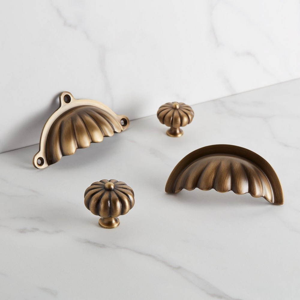 25 Drawer Handles to Modernize Your Furniture Designs 2