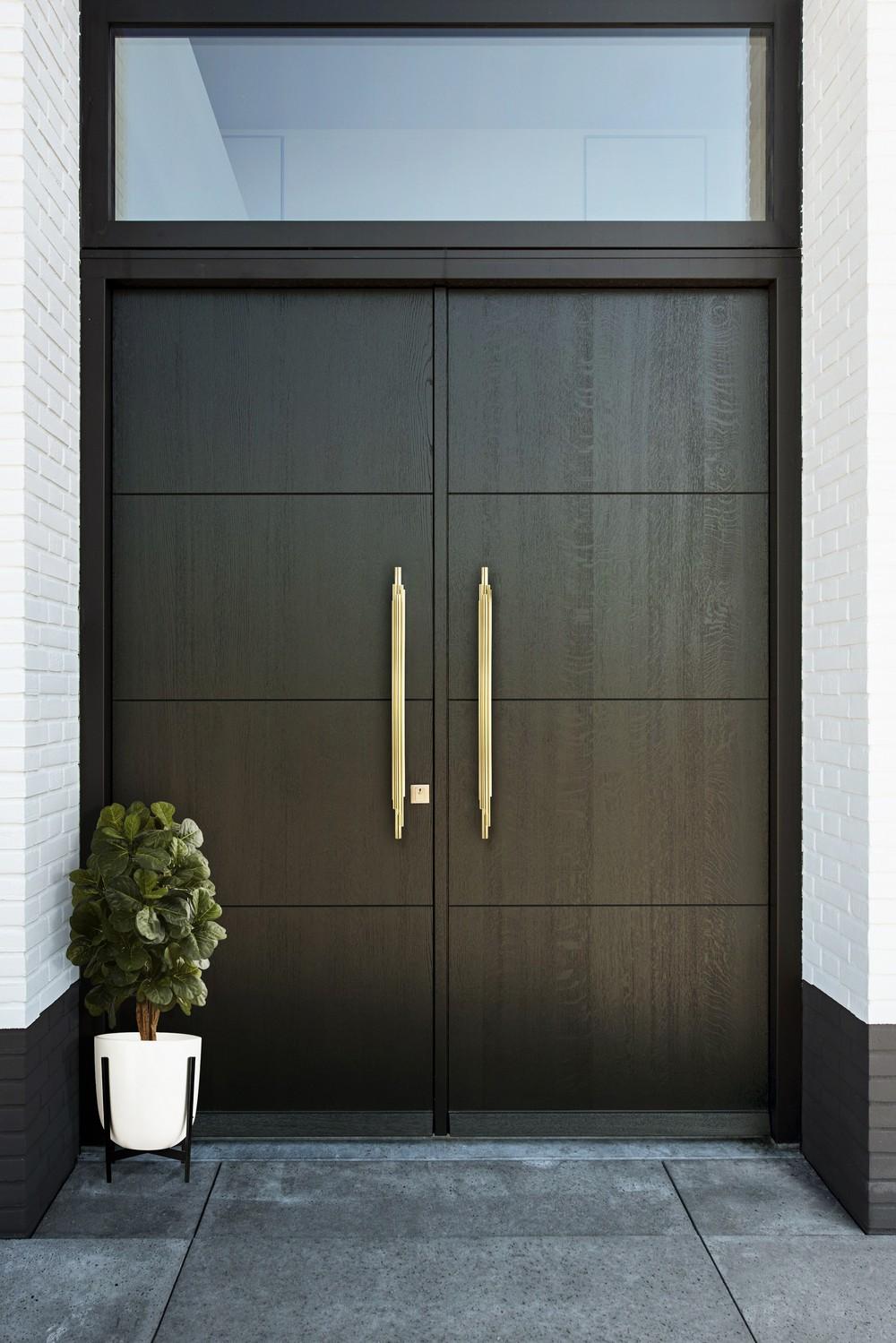 Decorative Hardware 20 Exclusive Door Pulls to Accessorize Your Home 4 door pulls 25 Exclusive Door Pulls to Accessorize Your Home Interiors Decorative Hardware 20 Exclusive Door Pulls to Accessorize Your Home 4