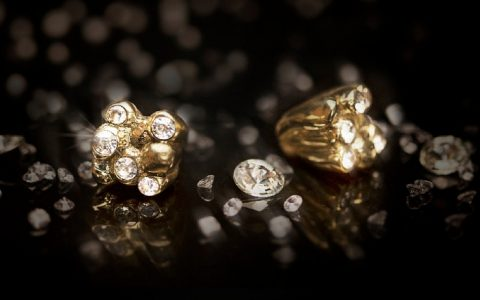 exclusive jewelry hardware with some of the most peculiar materials Exclusive Jewelry Hardware With Some Of The Most Peculiar Materials 162803747 1088186745018617 3970821722584739750 n 1 480x300