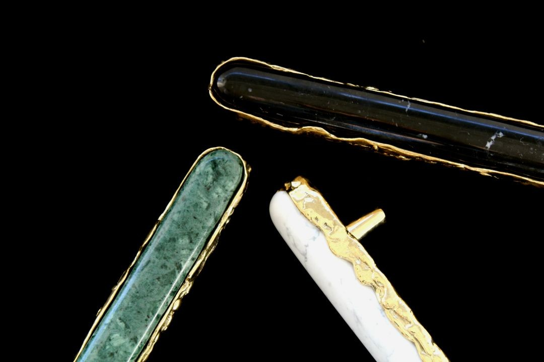 tiffany family: discover the exclusives jewelry hardware pieces Tiffany Family: Discover the Exclusives Jewelry Hardware Pieces See How Marble Turned Tiffany Into an Exclusive Jewelry Hardware Piece 1