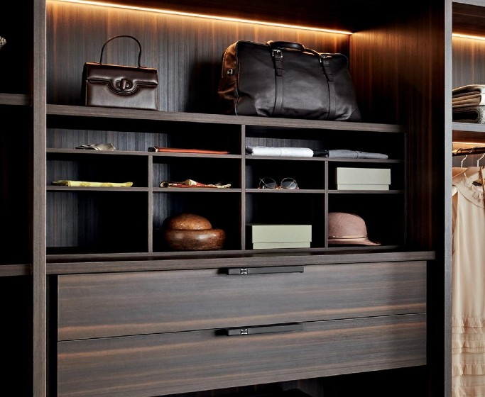 luxurious hardware to transform your home decor Luxurious Hardware To Transform Your Home Decor Discern Another Set of Bespoke Hardware Inspirations for Closet Rooms 6 1  Front Page Discern Another Set of Bespoke Hardware Inspirations for Closet Rooms 6 1