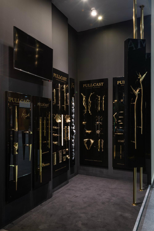 Black & Gold Luxury Hardware