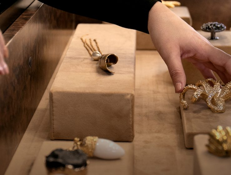 How To Choose Perfect Decorative Hardware Online